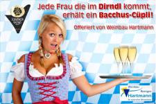 Im Dirndl - Bacchus-Cüpli